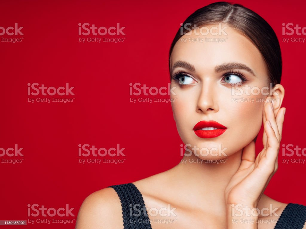 Beautiful woman. Make-up and perfect skin - Foto stock royalty-free di 20-24 anni