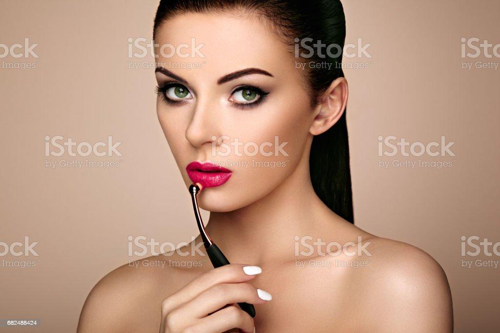 Güzel kadın ruj dudakları boyalar royalty-free stock photo