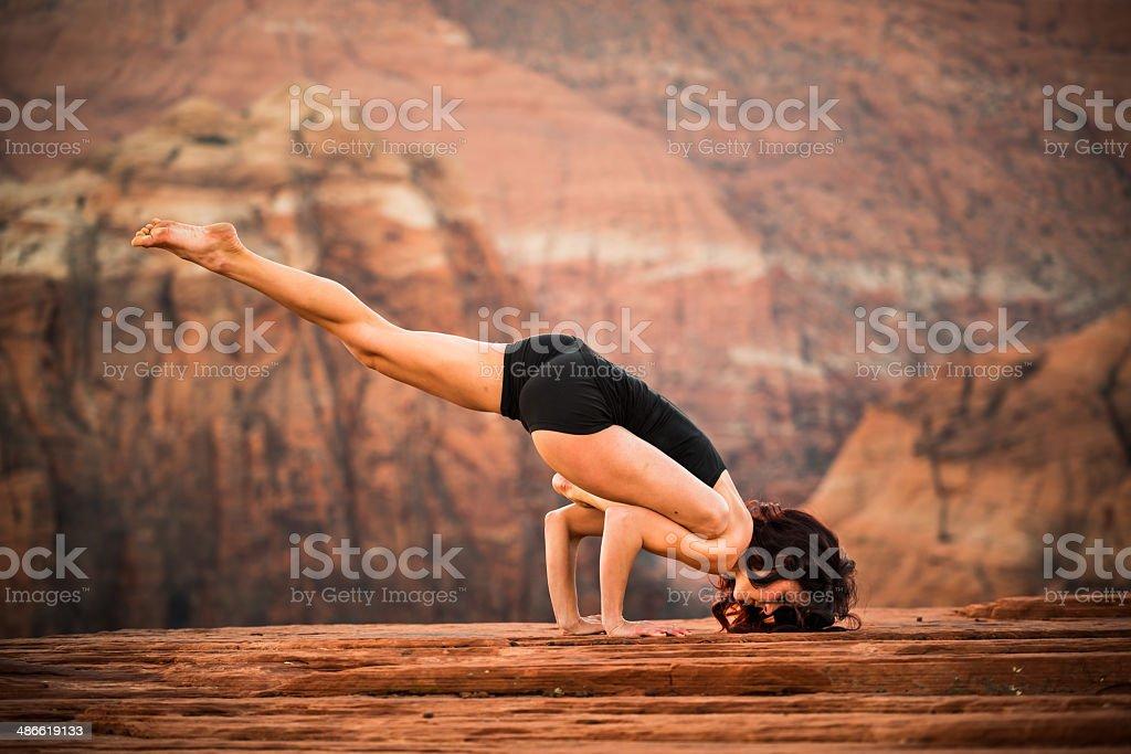 поза падшего ангела йога фото тот самый