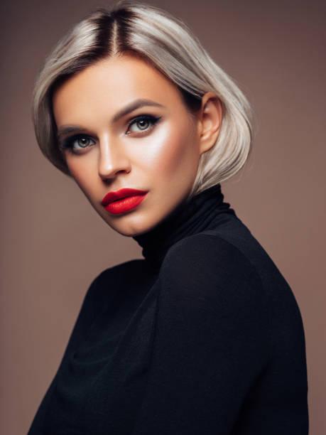 美麗的女人 - 短毛 個照片及圖片檔