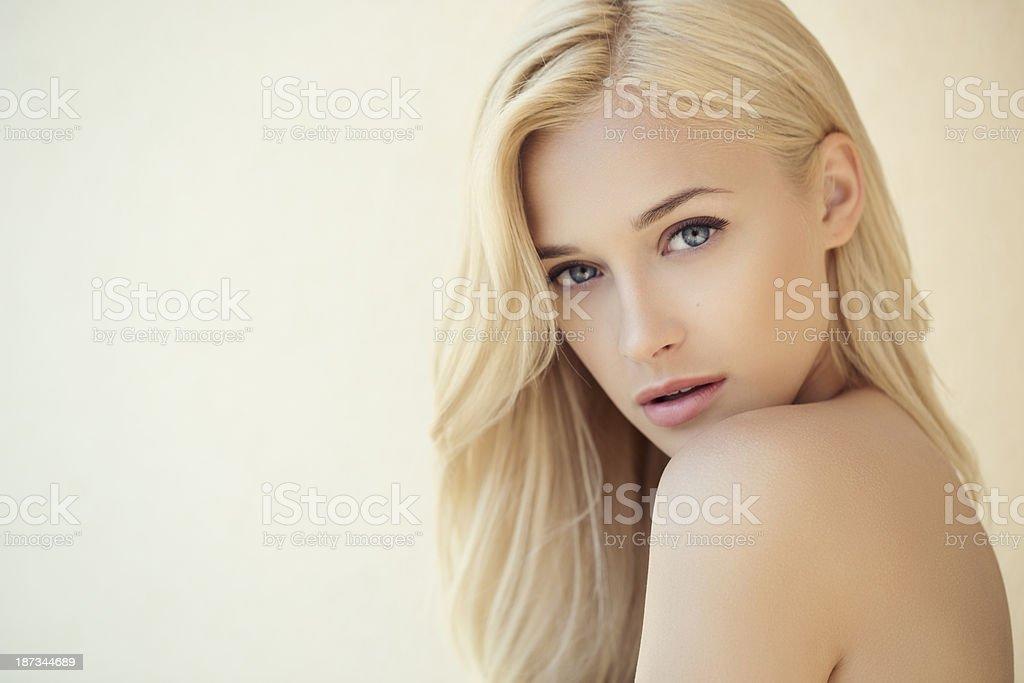 Mulher bonita - foto de acervo