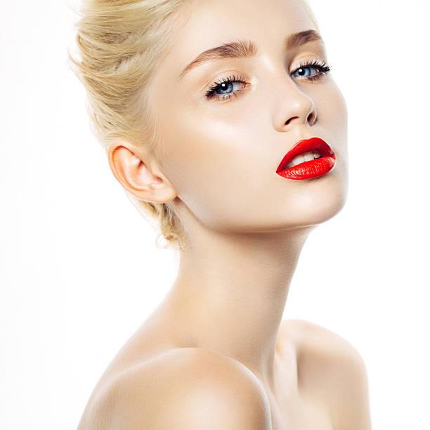mujer bella  - labios rojos fotografías e imágenes de stock