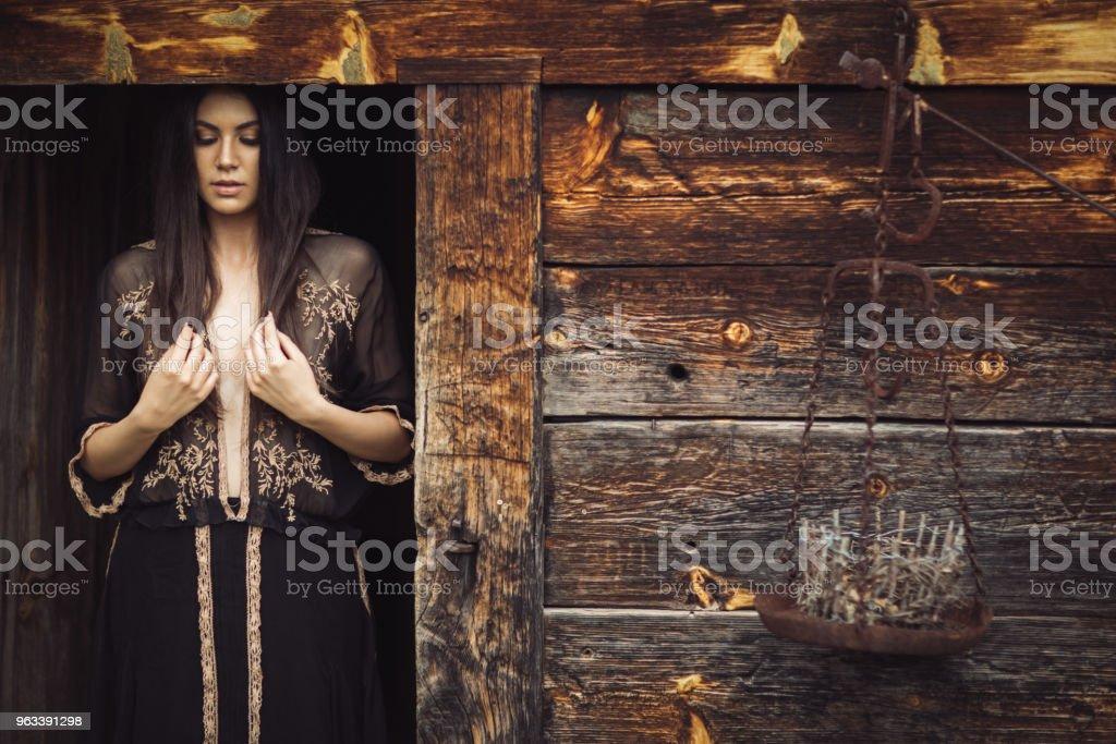 Beautiful woman - Zbiór zdjęć royalty-free (20-29 lat)