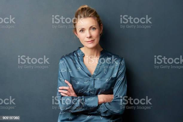 Beautiful woman portrait picture id909197060?b=1&k=6&m=909197060&s=612x612&h=a4mxpavomogmkhy9cbf0wo3qj jx6zvp9c7fpbco9xs=