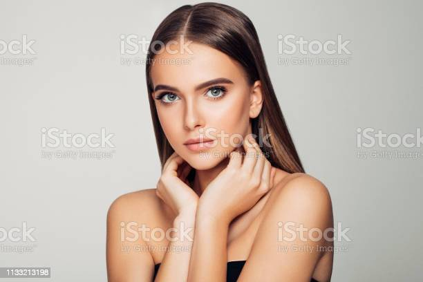 Beautiful woman soft makeup and perfect skin picture id1133213198?b=1&k=6&m=1133213198&s=612x612&h=whif7v nqfeogrinndjvswrsw3bmtcsozarf1mrveb4=