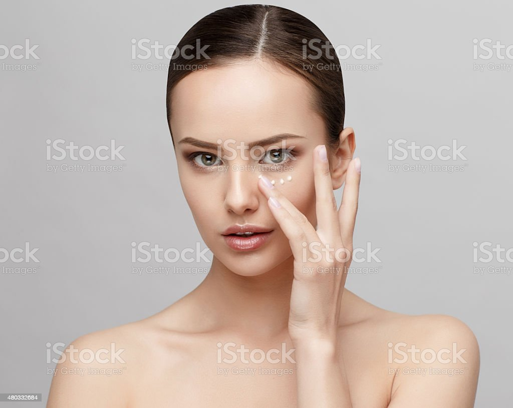 Schöne Frau mit sauber frische Haut – Foto