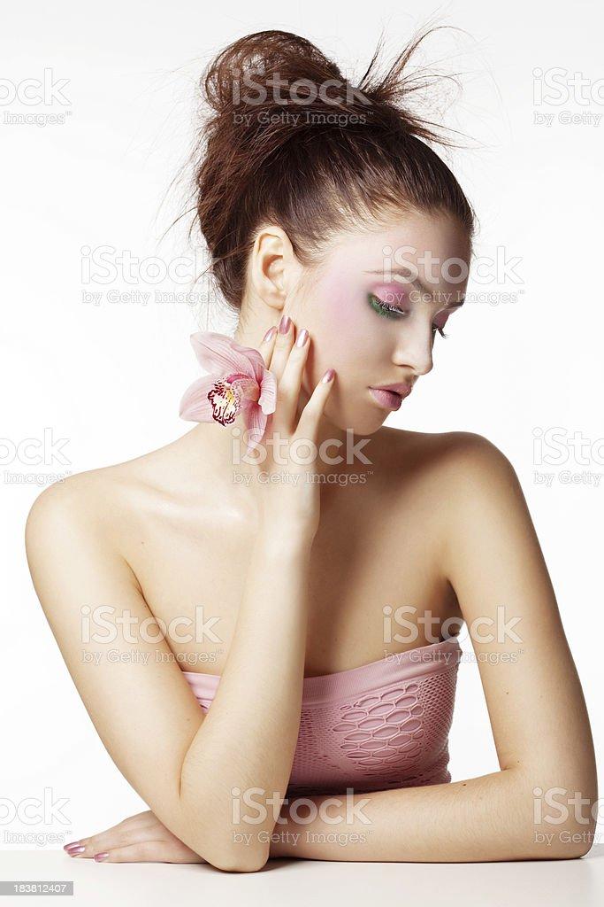 Schöne Frau mit Blume – Foto