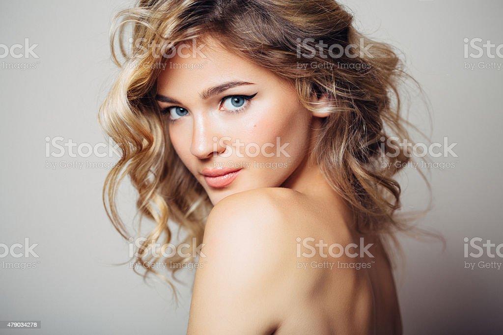 Belle femme avec le maquillage - Photo