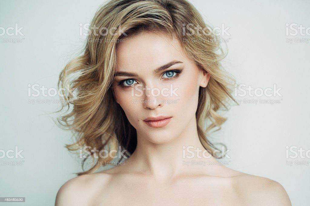 Belle femme avec maquillage - Photo
