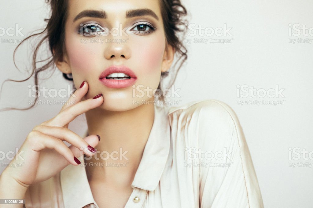 Beautiful woman with make-up - foto stock