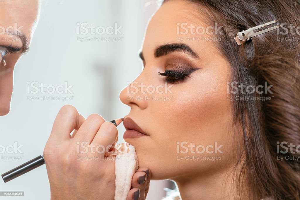 Beautiful woman with smokey eyeshadow – Foto