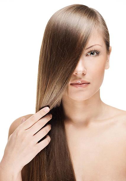 belle femme avec les cheveux longs tout droit - cheveux lisses photos et images de collection