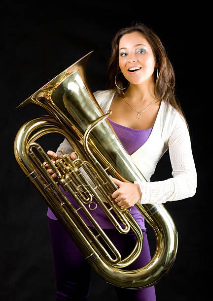 Schöne Frau mit tuba einem – Foto