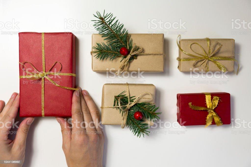 Schöne Weihnachtsgeschenke.Schöne Frauen Weihnachtsgeschenke Vorbereiten Urlaub Und Weihnachten