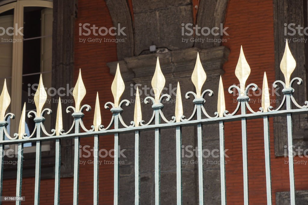 Beautiful wrought fence. Image of a decorative cast iron fence. metal fence close up. Metal Forged Fence. - foto stock