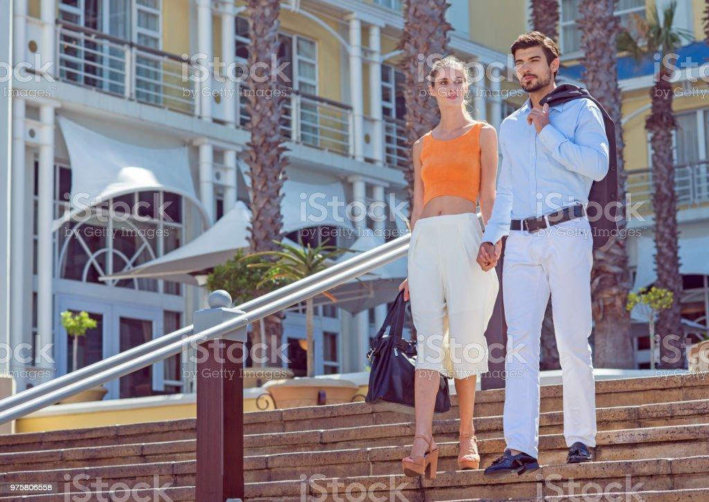 schöne junge Paar in der Stadt - Lizenzfrei Attraktive Frau Stock-Foto