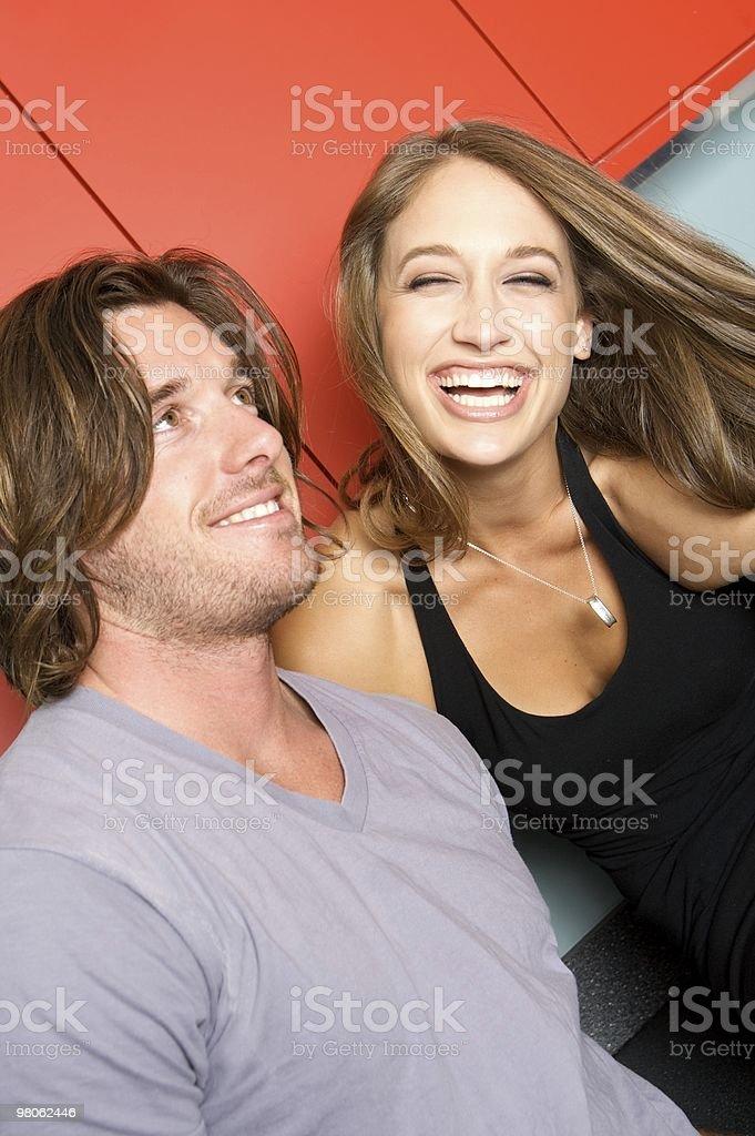 Bella giovane coppia Ridere foto stock royalty-free