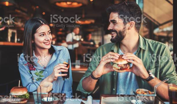 Beautiful young couple sitting in a cafe having breakfast love dating picture id1045044032?b=1&k=6&m=1045044032&s=612x612&h=igkfsttxqrwl2b1mal2r5wtpukzojamjzvsygfhnoi0=