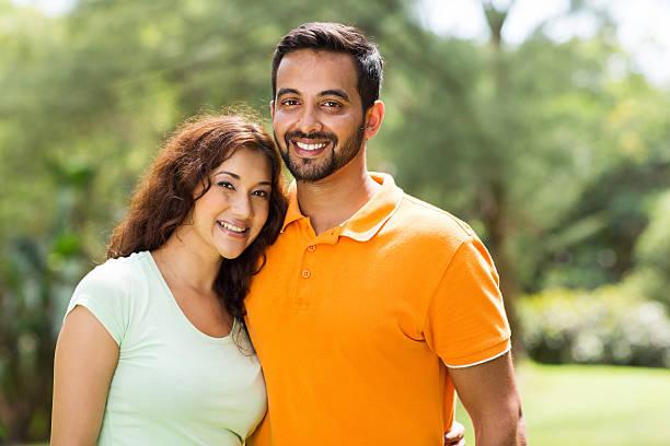 Bella Giovane coppia Indiana - foto stock