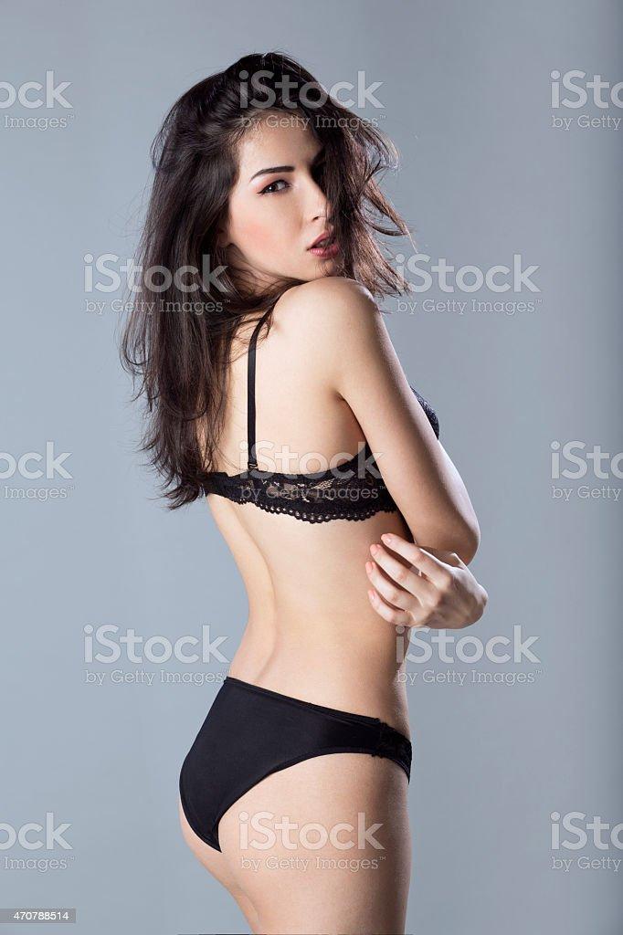 características sobresalientes gama completa de especificaciones estilo novedoso Hermosa Mujer Joven En Ropa Interior Negro Mostrando Su ...
