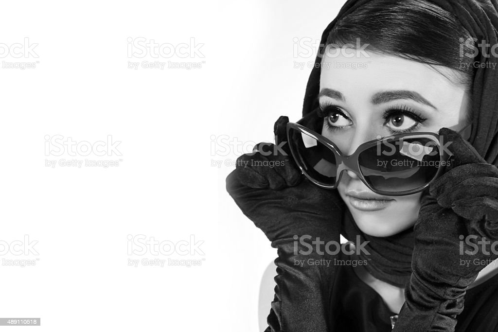 Belle jeune femme dans un style rétro - Photo