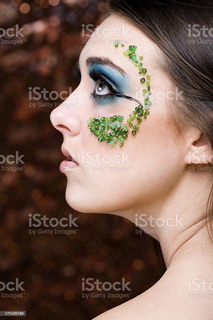 Schöne Junge Frau Mit Makeupmodell Mit Juwelen Profil Nahaufnahme