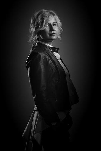 Foto de Retrato De Mulher Jovem E Bonita e mais fotos de stock de 30 Anos