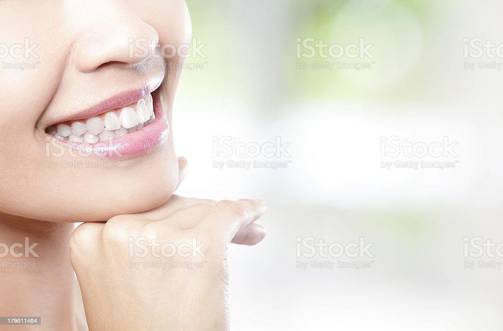 Schöne Junge Frau Zähne Nahaufnahme - Lizenzfrei Erwachsene Person Stock-Foto