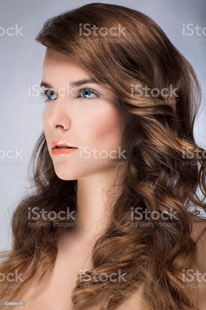 Braune haare blaue augen junge