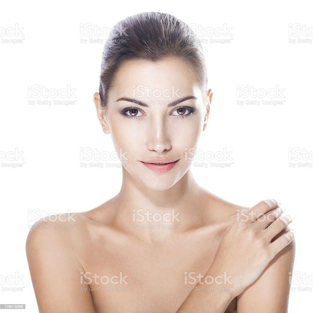Schöne Junge Frau mit gesunden Gesicht – Foto