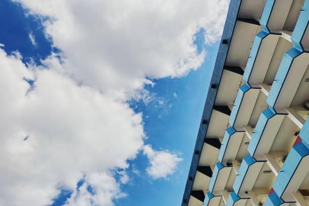 Céu azul de beleza - foto de acervo