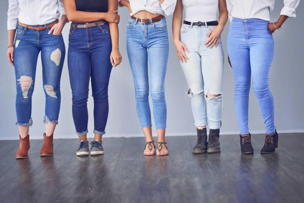 美麗有各種形狀和大小 - 牛仔褲 個照片及圖片檔