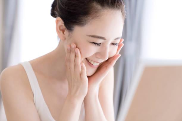 アジアの女の子の美しさの概念.スキンケア。 - image ストックフォトと画像