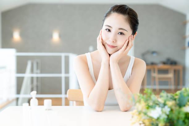 アジアの女の子の美しさの概念.スキンケア。 - 美容室 ストックフォトと画像
