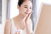 アジアの女の子の美しさの概念.スキンケア。