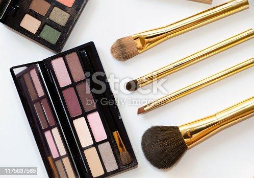 Makeup Brush, Liquid Lipsticks, Eyeshadow Palette, Blusher