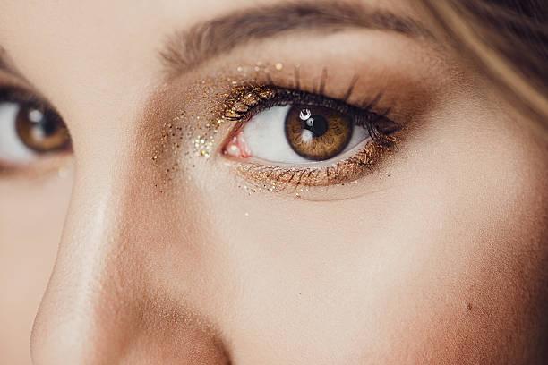 Gros plan beauté des yeux scintillants - Photo