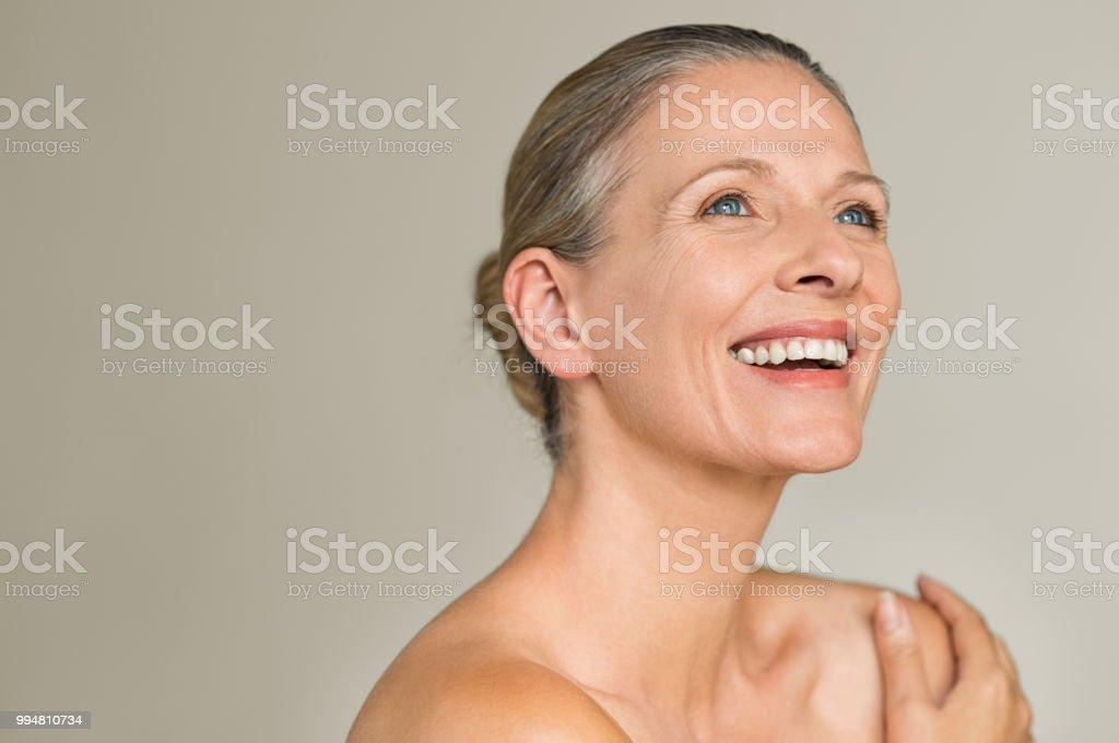 Beautiful mature woman showing her body