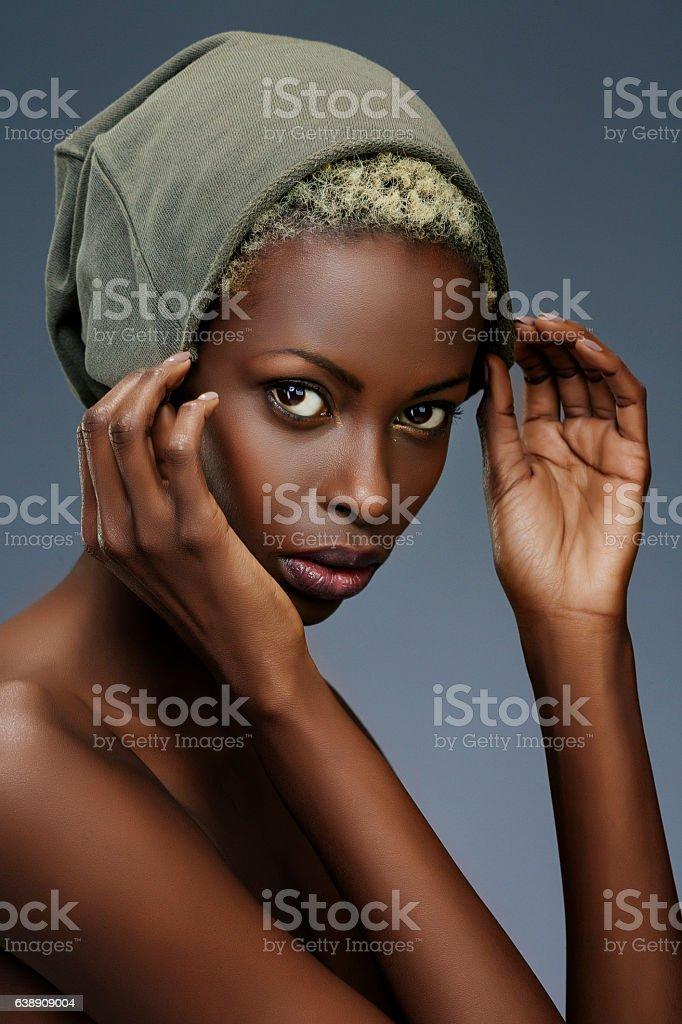 Beauty portrait  Fashion  Beautiful african ethnicity  young women - Photo