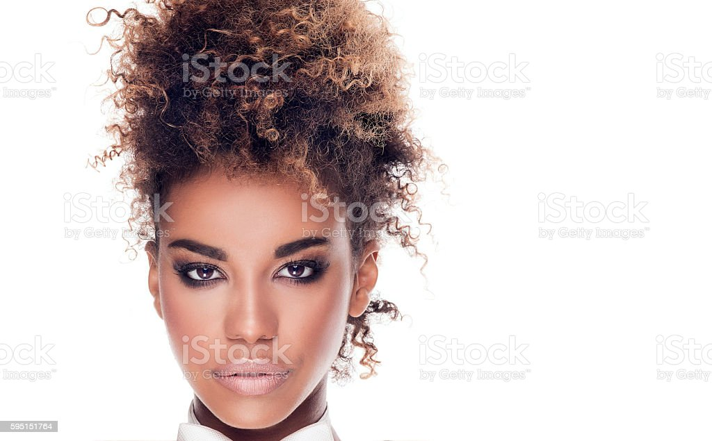 Beauty portrait of elegant african american woman. - foto de acervo