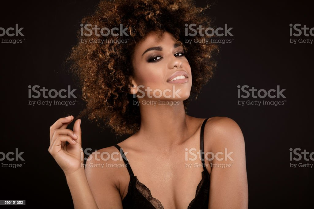 Beauty portrait of smiling girl with afro. - foto de acervo