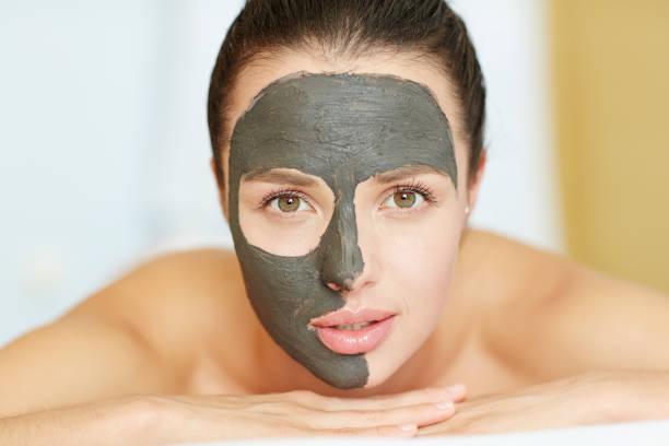beauty procedure - maschera foto e immagini stock