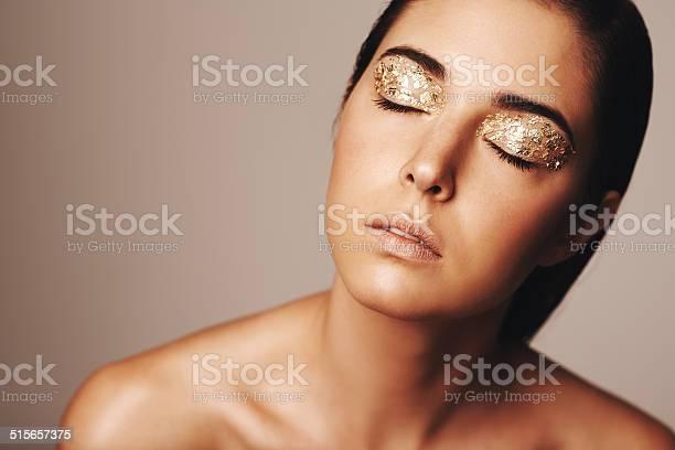 Beauty shines through picture id515657375?b=1&k=6&m=515657375&s=612x612&h=ubsvhosapa7pfhetfjpp 4jh6pe ohakmi43uaojzgc=