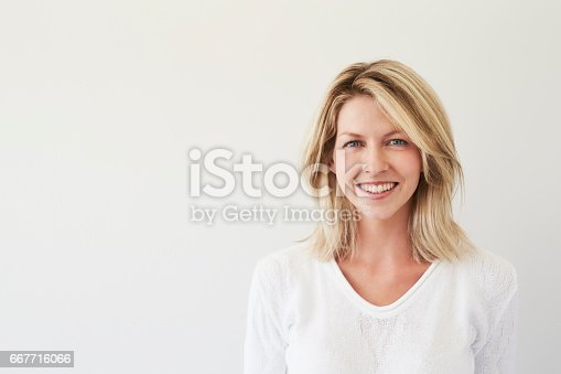 673361134 istock photo Beauty with blue eyes 667716066
