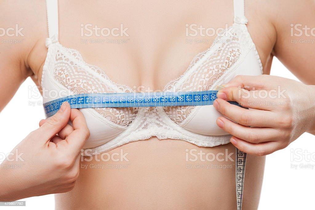 Schöne Frau, die Messung Band misst Wachstum Größe der Brust – Foto