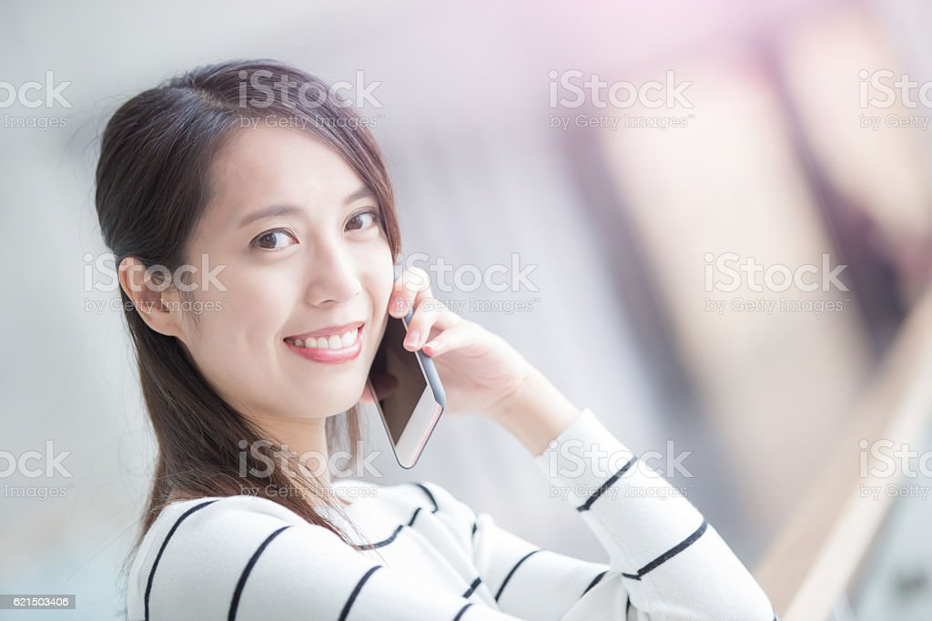 beauty woman talk on phone foto stock royalty-free