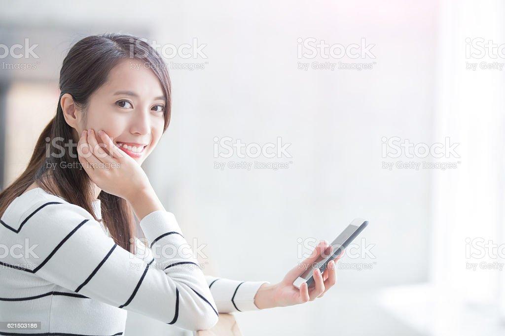 beauty woman use phone Lizenzfreies stock-foto