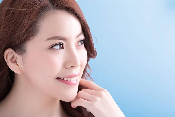 beauty woman with health skin - 模型 ストックフォトと画像