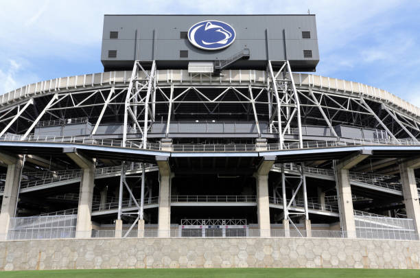 Beaver Stadium at Penn State University University Park, Pennsylvania, USA - June 21, 2018: The outside of Beaver Stadium. Beaver Stadium is the home stadium of the Penn State University Nittany Lions NCAA college football team. ncaa college football stock pictures, royalty-free photos & images
