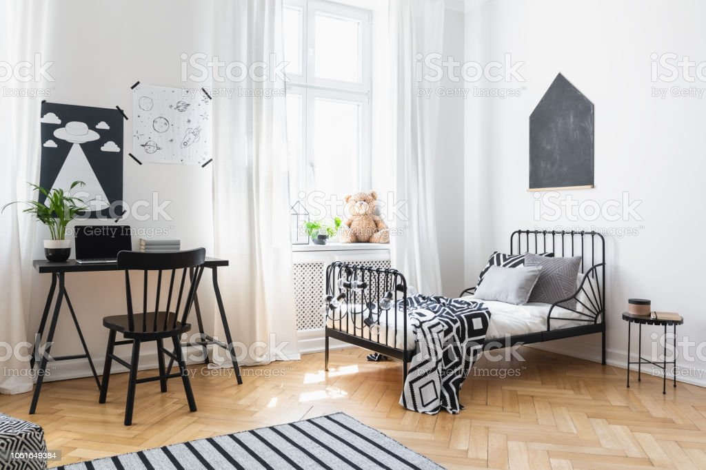 Admirable Bed And Black Chair At Desk In Kids Room Interior With Spiritservingveterans Wood Chair Design Ideas Spiritservingveteransorg